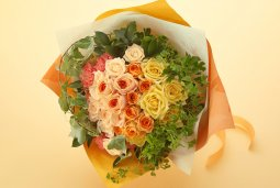 glaceful hand-tied bouquet mainly with roses