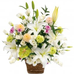 Large sympathy arrangement in white with some past