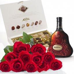 Kırmızı Güller, çikolata ve Konyak